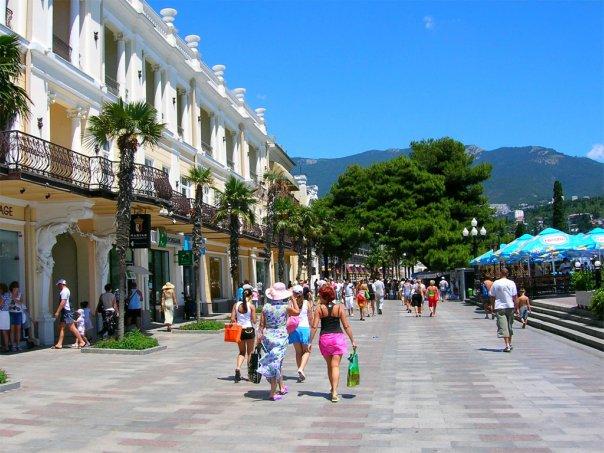 Крым должен позиционировать себя на туристическом рынке как круглогодичный курорт