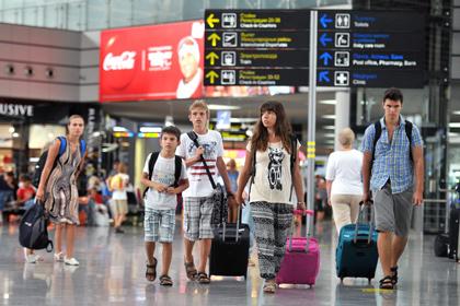 Почти половина российских туристов отдали предпочтение безвизовым путешествиям