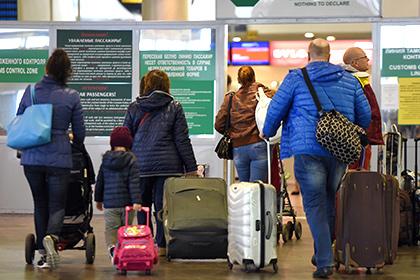 Московский аэропорт Шереметьево в пятницу, 8 апреля, задерживает рейсы в связи с неблагоприятными погодными условиями