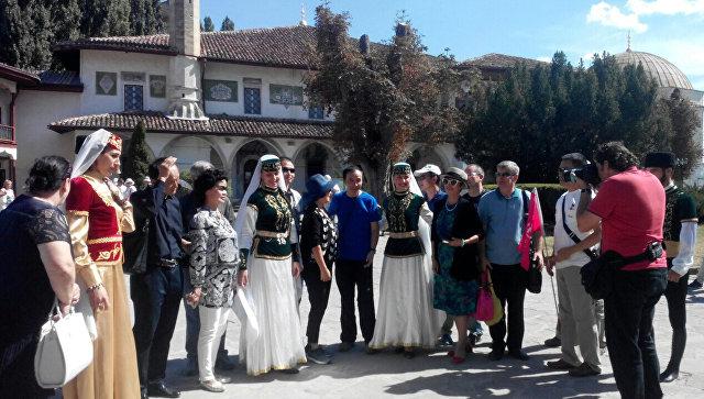 Китайские туристы ищут в Крыму пейзажи и Wi-Fi