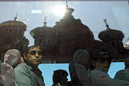 Поток китайских туристов в Санкт-Петербург вырос в два раза
