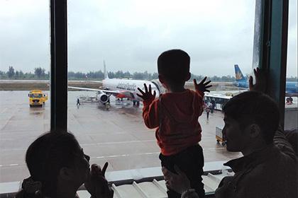 Детские авиабилеты оказались в два раза дороже взрослых