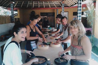 Туристам предложили пообедать в домах незнакомцев