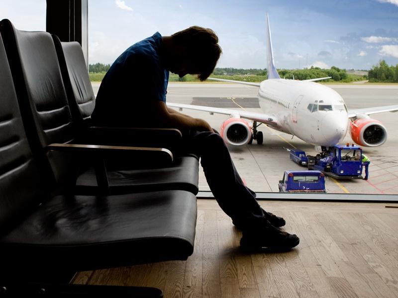 Смоленские должники выплатили около 20 млн. рублей, чтобы съездить за границу
