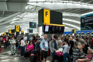 Работа крупнейших аэропортов мира парализована из-за сбоя