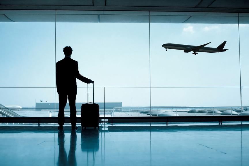 Цены на авиабилеты из России за рубеж упали на 20%