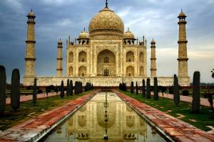 Судьи Индии грозятся снести Тадж-Махал