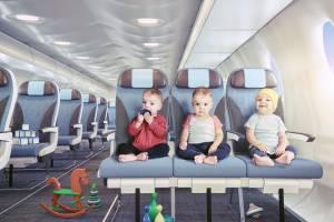 Определены лучшие авиакомпании для перелета с детьми