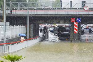 Сильные дожди надвигаются на затопленный уже Сочи