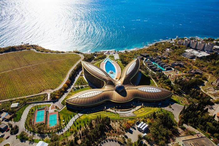 Санкции США помогли крымскому курорту стать лучшим в мире