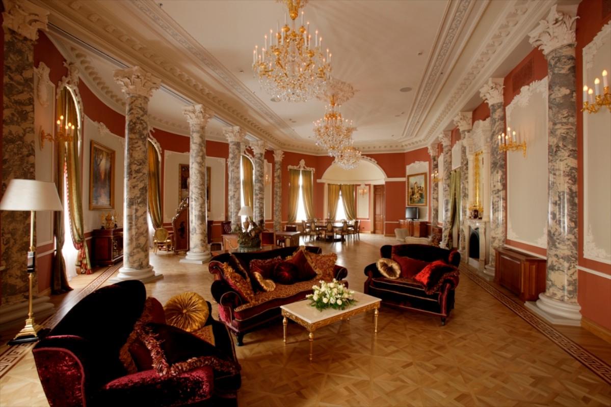 Как выглядят самые дорогие гостиницы России