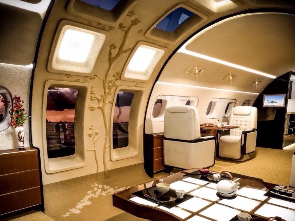 В самолетах будущего могут появиться велотренажеры и кафе