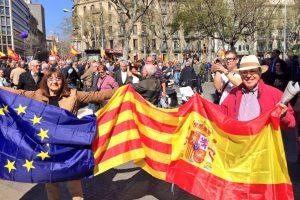 Забастовки в европейских странах не кончаются и всё больнее бьют по туристам