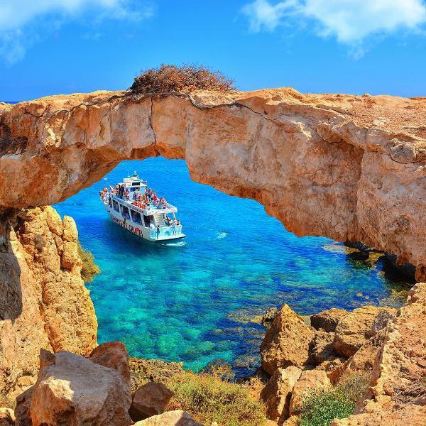 Около 800 тысяч россиян посетили Кипр