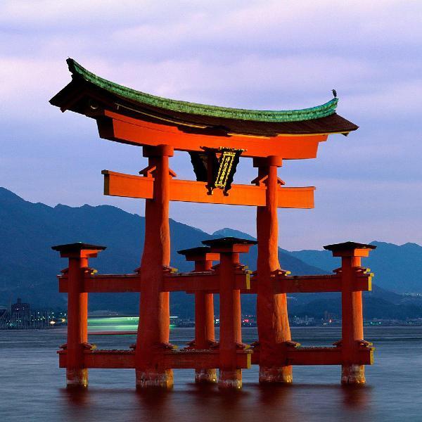 Япония изучает возможность отмены виз для россиян
