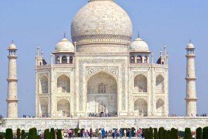 Индия ввела электронные визы для всех туристов
