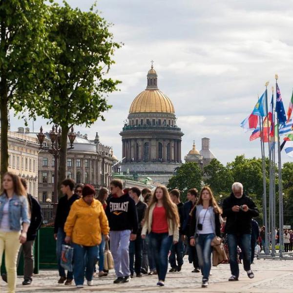 Путин одобрил введение сбора для иностранных туристов в Петербурге
