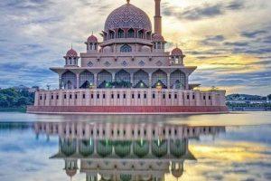 Малайзия введет туристический налог на выезд