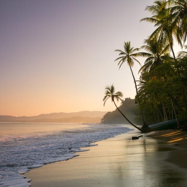 Коста-Рика отменила визы для россиян