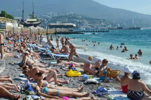 В Крыму более 400 пляжей готовы к курортному сезону