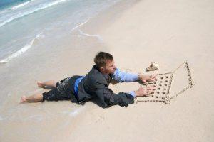Хотите узнать, будут ли коллеги дергать вас во время отпуска? Посмотрите на свою зарплату