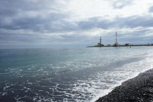 В Анапе туристов-пляжников предупреждают об опасном усилении морского ветра