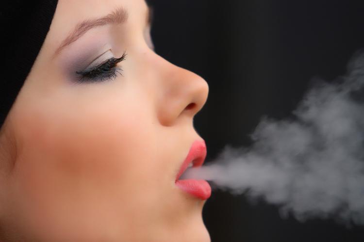 В Индии полностью запретили электронные сигареты