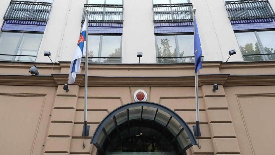 Число обращений за визами в Финляндию в Петербурге сократилось вдвое