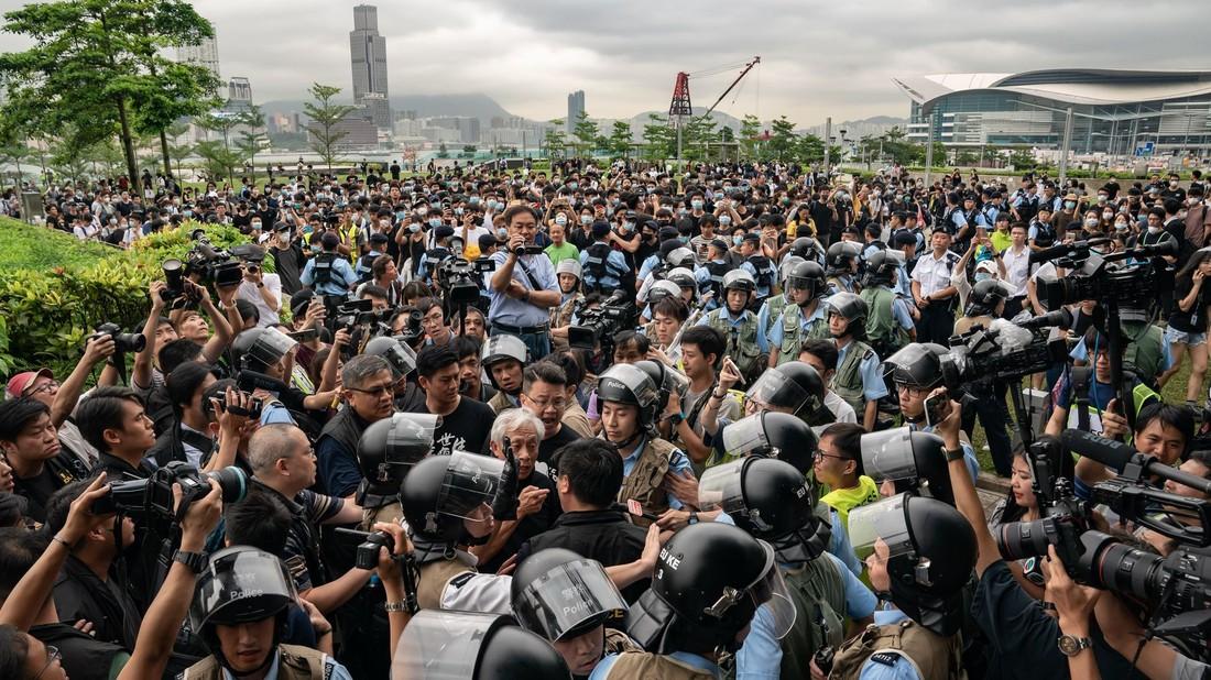 China Travel: туризм в Гонконге на грани катастрофы — цены отелей упали в 6 раз, доходы на 30%