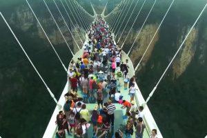 В Китае закрыты 30 стеклянных мостов. Они оказались небезопасны