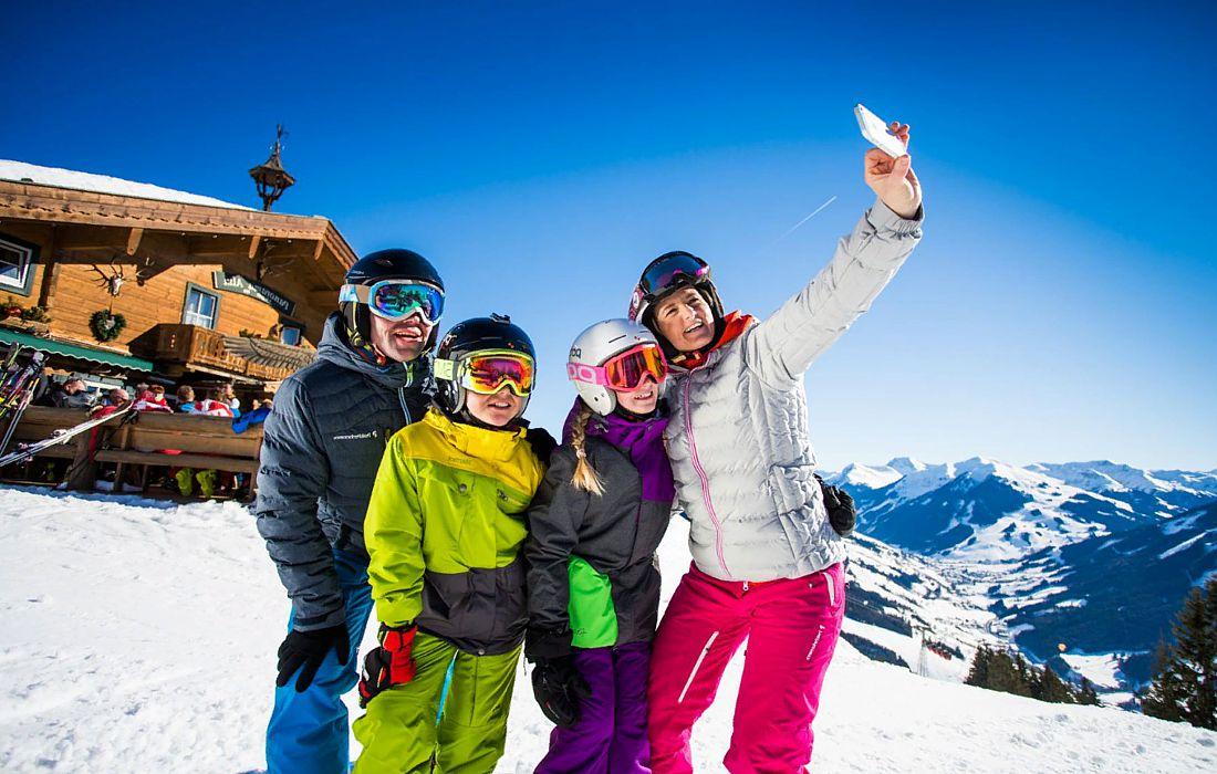 Российские туроператоры открыли горнолыжный сезон в Альпах