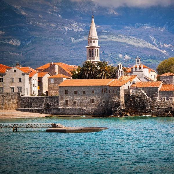 Турпоток в Черногорию за 9 месяцев вырос на 23%