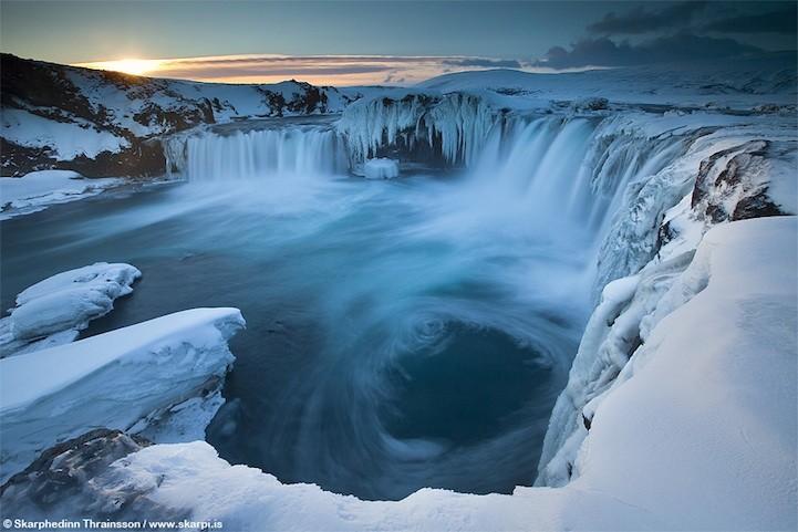 Ледяная Исландия – страна вулканов, гейзеров и льдов