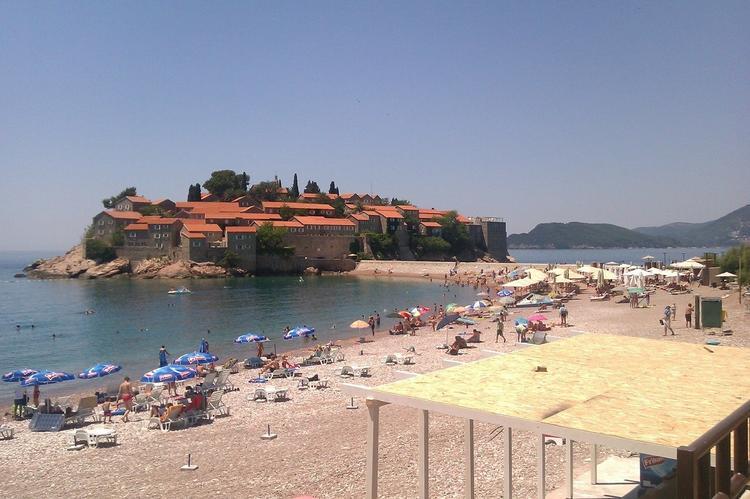 Что изменилось в правилах въезда в Черногорию для российских туристов?