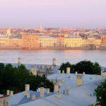 В Петербурге два человека погибли во время экскурсии по крыше