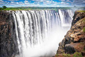 Водопад Виктория в Зимбабве открывается для туристов после 6 месяцев карантина
