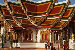 Власти Таиланда продлили ЧП из-за коронавируса до конца ноября