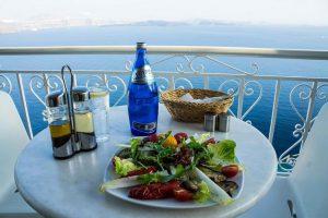Эксперты: в этом году Греция первой из европейских стран откроется для туристов