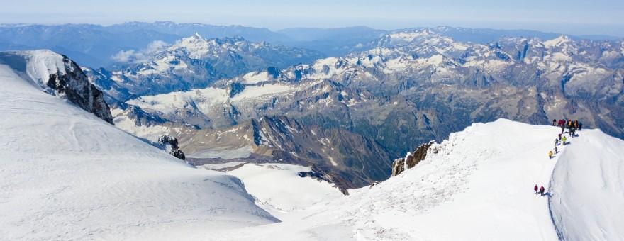 Турпоток на Эльбрус за последние годы вырос вдвое